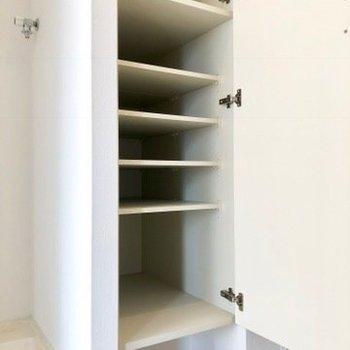 靴箱です。※写真は4階の同間取り別部屋のものです