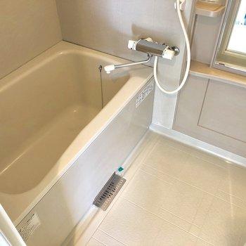 洗い場も広いんです◎※写真は8階の同間取り別部屋のものです