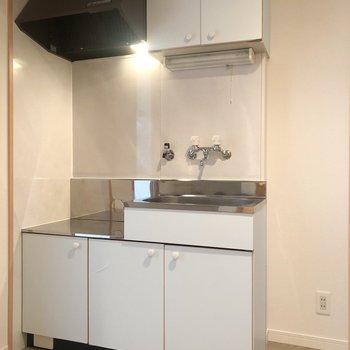 キッチンは玄関側の廊下に!ガスコンロはお好みのものを◎