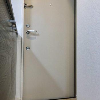 玄関に靴を置くなら、こまめに収納のを忘れずに