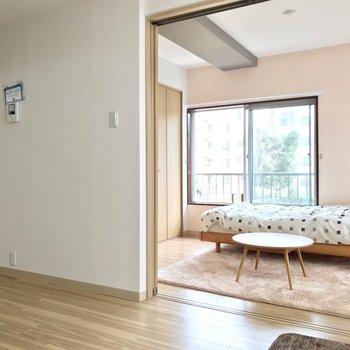 【LDK】空間が広がりますね!※写真の家具はサンプルです