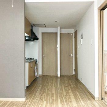 【LDK】アクセントクロスも◎※写真は2階の反転間取り別部屋のものです