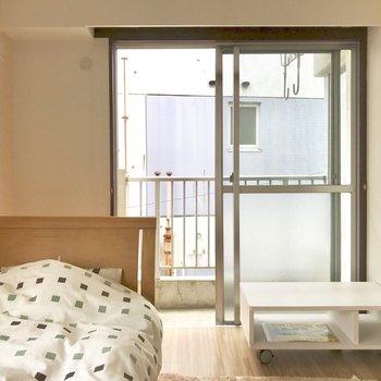 【洋室】朝も気持ち起きられそう※写真の家具はサンプルです※写真は2階の反転間取り別部屋のものです