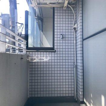 洗濯機置き場はバルコニーに。そのまま干せますよ〜