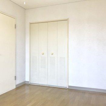 【洋室6帖】シンプルな空間をどう染める?