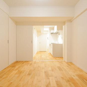無垢床の質感を楽しめるお部屋に◎※写真は同間取り203号室のものです
