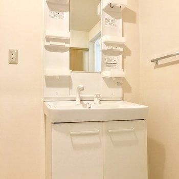シンプルな洗面台だから使いやすい。