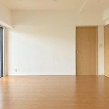 床も壁も扉も優しい。