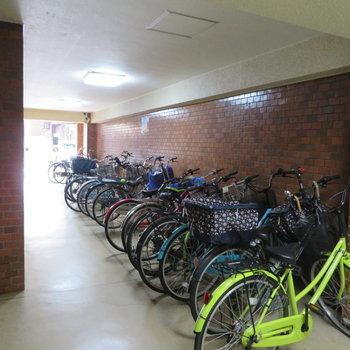 共用部】1階には自転車置き場です