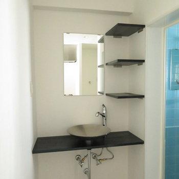 シンプルに魅せる洗面台