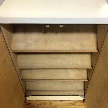 靴箱の上のスペースには鍵を置いたり、写真を飾ったりしましょう*