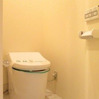 ウォシュレット付のトイレです。