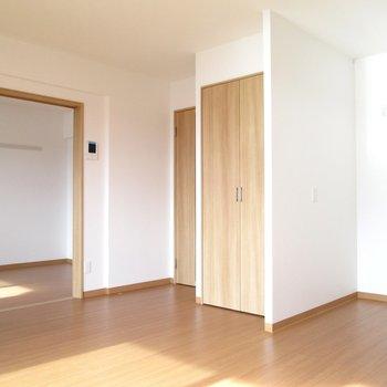 【LDK】向こうのお部屋も見えます◯