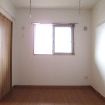 【洋室6.3帖】寝室としていいですね〜