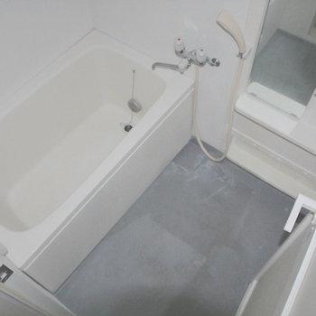 お風呂もゆったり※写真は2階の反転間取り別部屋のものです。