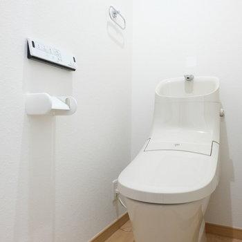 トイレの形がめずらしい!※写真は4階の同間取り別部屋のものです