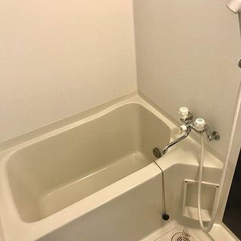 お風呂!追い焚き機能付きなんです◎※写真は同間取り別部屋です