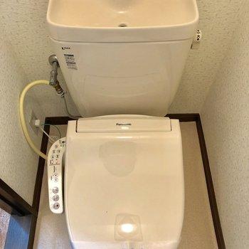 温水洗浄便座ももちろん完備です