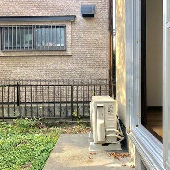 こちらは1階のお庭です。洗濯物はこちらに干しましょうか。