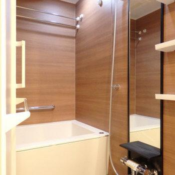 お風呂も綺麗で、装飾性バツグン※写真は同間取り別部屋のものです。