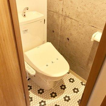 床のタイル柄がいいですね。