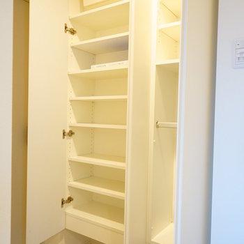 下駄箱もこの容量です!※写真は6階の同間取り別部屋のものです