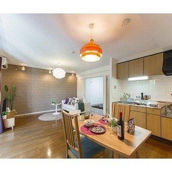 システムキッチンが使いやすそう※写真は7階の反転間取り別部屋のものです
