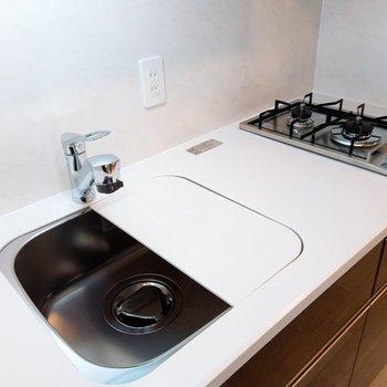 キッチンは広く使える工夫も◎ ※写真は3階の同間取り別部屋のものです