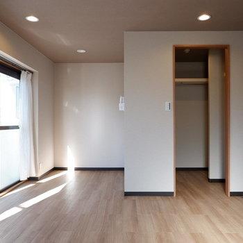 ゆったりとした洋室です。※写真は前回募集時のものです