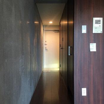 廊下部分。※写真は4階の同間取り別部屋のものです