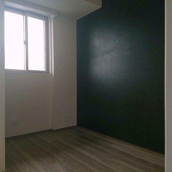 窓もあっていいですね※写真は通電前のものです※写真は12階の同間取り別部屋のものです。