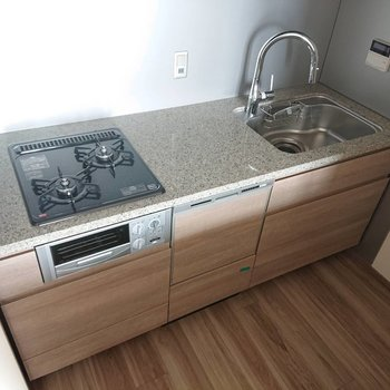 食洗機付きはありがたい※写真は通電前のものです※写真は12階の同間取り別部屋のものです。