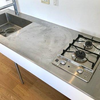 シンプルだけど、雰囲気を壊さないキッチン