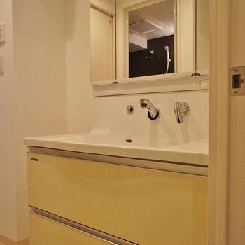 洗面台もワイドサイズ