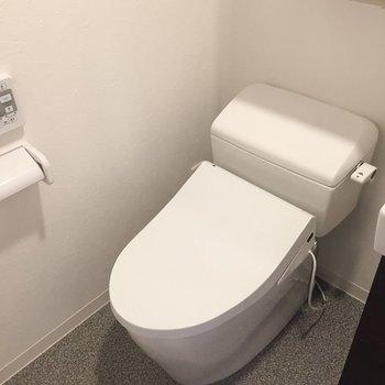 その横にトイレがあります。※写真は前回募集時のものです