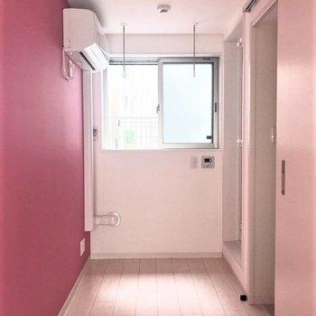 とてもスリムなお部屋です!