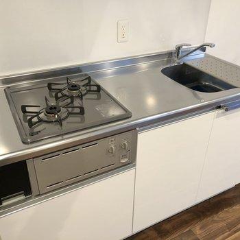 【LDK】調理スペースも確保できています。
