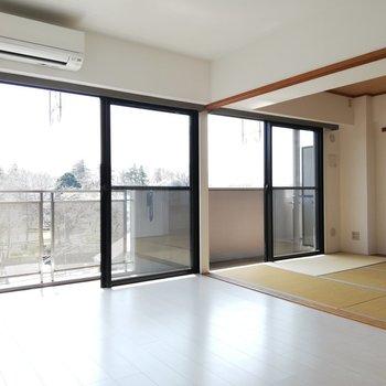 【LDK+和室】和と洋の開放感※写真は5階の同間取り別部屋のものです