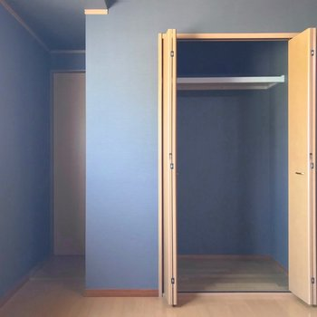 この奥の扉の中は何だろう……