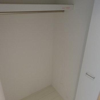 廊下のクローゼットは大容量※写真は前回募集時のものです。