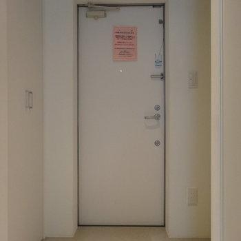 玄関はゆったり広め※写真は前回募集時のものです。