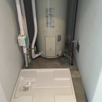 洗濯機置き場は扉で隠せるのが嬉しい!※写真は前回募集時のものです。