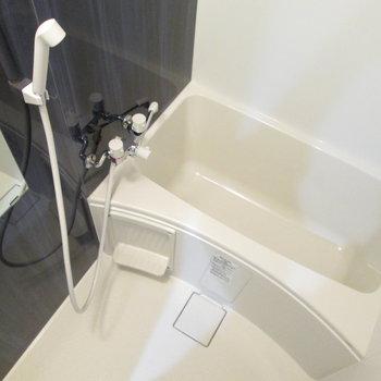 浴槽1人暮らしにはちょうどよいサイズです。