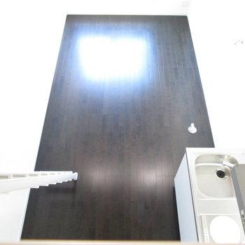 光がお部屋全体に届きますね。