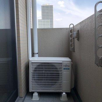 自然の風で洗濯物を乾かそう※写真は6階の同間取り別部屋のものです