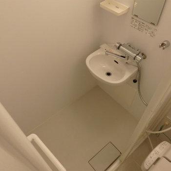 シャワールームのみです。※写真は5階の同間取り別部屋のものです。