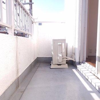 ベランダも広いです!※写真は4階の反転間取り別部屋のものです