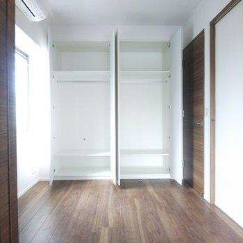クローゼットは容量たっぷり!※写真は3階の同間取り別部屋のものです
