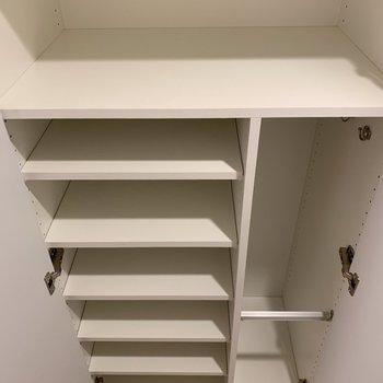 広々シューズボックス※写真は2階の同間取り別部屋のものです