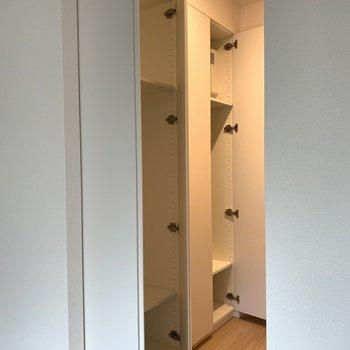 クローゼットは2個あります※写真は2階の同間取り別部屋のものです